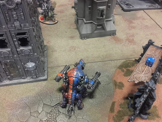 Warhammer 40K Battle report: My Forgefiend was left still waiting for the Mayhem Pack to show up to help.