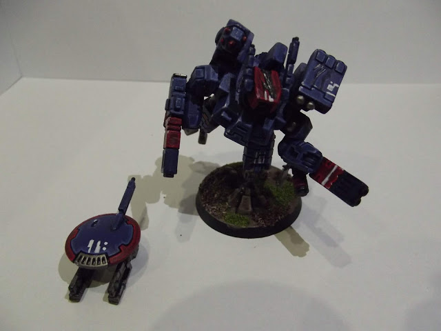 Tau Crisis Battlesuit - with lovely freehand sept markings.