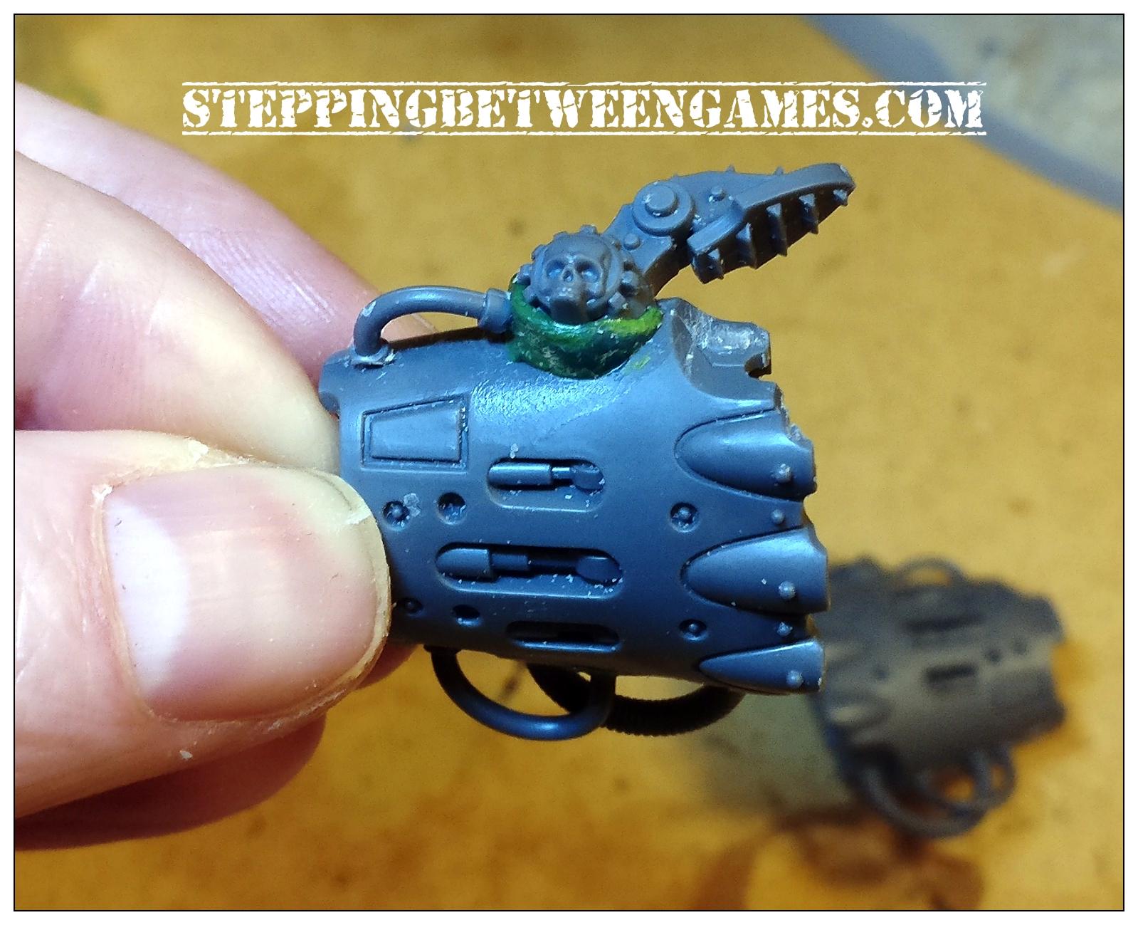 Thunderstrike gauntlet right hand conversion - thumb detail